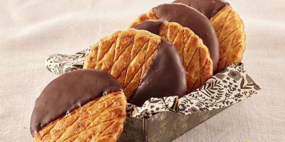 Grandes Galettes nappées au chocolat